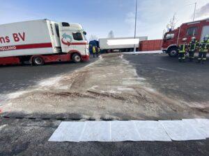 Aufgerissener Dieseltank